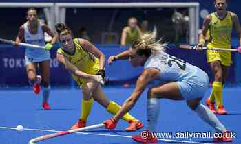 Tokyo Olympics: Hockeyroos win 2-0 after Argentina's 'disgraceful' tactic in fourth quarter