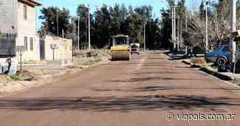 Iniciaron las obras de asfalto en el barrio Cristiano - Vía País