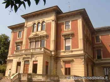 Una donazione prima della chiusura dall'associazione Centro Battiana di Cossato - La Provincia di Biella