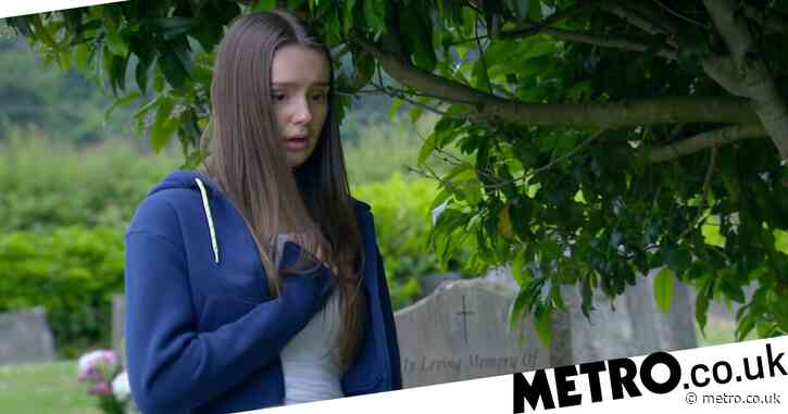 Emmerdale spoilers: Sarah's death trauma as she struggles to breathe in new video