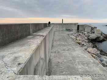 La Cofradía de Pescadores de Puerto de Vega pide más calado en el puerto y la reposición de las barandillas del espigón - ORT