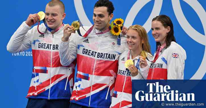 'I couldn't believe it': Anna Hopkin and Kathleen Dawson on mixed medley relay gold win – video