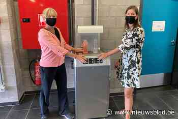 Sporthal Rooienberg plaatst twee drinkwatertoestellen (Duffel) - Het Nieuwsblad