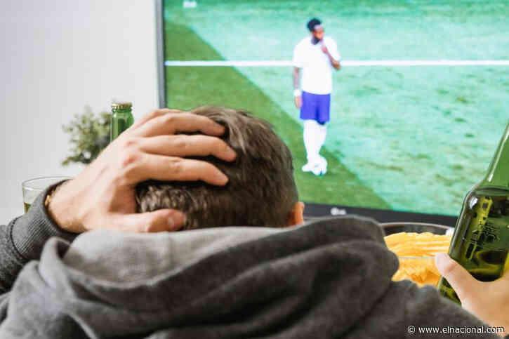 Le dijo a su novia que estaba con amigos viendo los Juegos Olímpicos, pero una foto delató su infidelidad