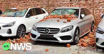 Bakstenen muur valt om: 7 auto's van garage in Kuurne beschadigd - VRT NWS