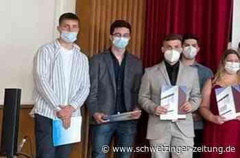 Schwetzinger Schüler feiern Abschluss - Schwetzingen - Nachrichten und Informationen - Schwetzinger Zeitung
