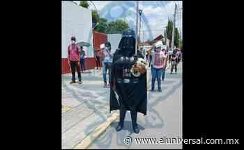 Covid-19. Darth Vader asiste a vacunarse en San Pedro Cholula, Puebla | El Universal - El Universal