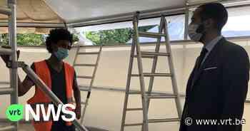 """Asielzoekers bouwen mee aan tijdelijke klaslokalen in Herent: """"Eerste stap naar de arbeidsmarkt"""" - VRT NWS"""