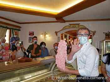 Belluno, il gelato da guinness: 150 palline di fragola sopra un solo cono - Corriere della Sera