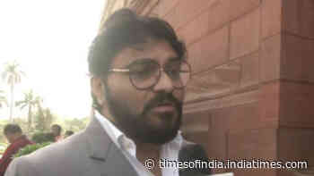 Babul Supriyo reiterates 'not joining any political party'