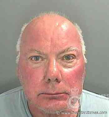 Hereford courgette pervert jailed for flashing at Barry Island
