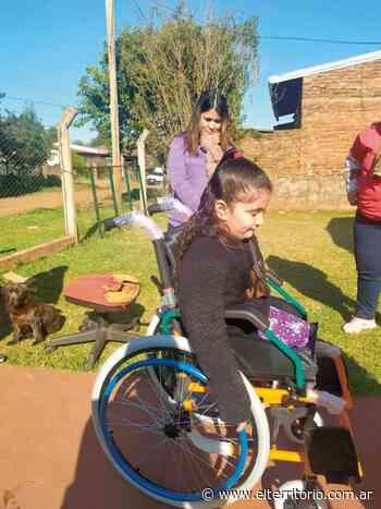 Guadalupe Cabrera recibió la nueva silla de ruedas - EL TERRITORIO