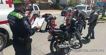 Se accidentan dos motociclistas, arrollados por una camioneta en Guadalupe - Imagen de Zacatecas, el periódico de los zacatecanos