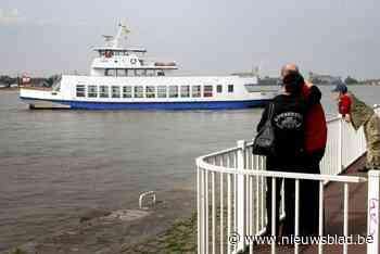 Flandriaboot vaart tegen de kade, twee passagiers gewond
