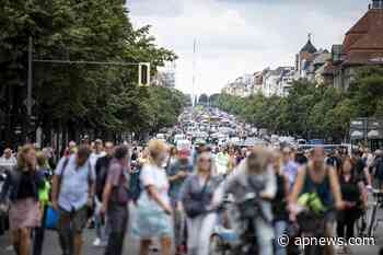 Crowds defy ban to protest coronavirus measures in Berlin - Associated Press