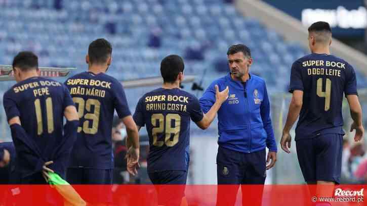 FC Porto volta a apontar o dedo: «Torna-se quase criminoso o vazio das bancadas» - Record