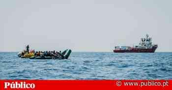 """Navio """"Ocean Viking """" resgata 175 pessoas no mar e espera um porto - PÚBLICO"""