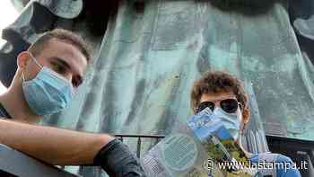 Mascherina, guanti e Green Pass: i turisti tornano sul Sancarlone di Arona. I visitatori dall'estero sono la maggioranza - La Stampa