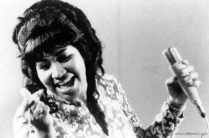 Aretha Franklin's Handprints to Be Unveiled Outside Detroit Museum