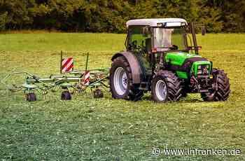 Landkreis Schweinfurt: Traktor und Ballenpresse gehen in Flammen auf - Mehr als 200.000 Euro Schaden