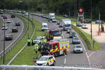 A23 outside lane at Pyecombe closed following incident