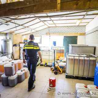 Nederlandse politie vindt grootste crystalmethlab tot nog toe nabij Belgische grens