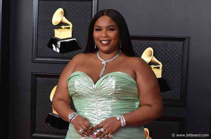 Lizzo Shares Mysterious Teaser for Monday: 'You Really Gon Like My Post Tomorrow'