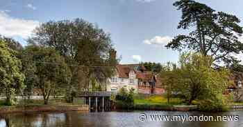 Beautiful village 2 hours from London that's home to the 'world's best pie' - My London
