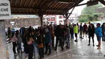 Saint-Jean-Pied-de-Port : une centaine de personnes ont manifesté contre le pass sanitaire - Sud Ouest