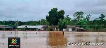 Casas en Boca San Carlos quedaron con el agua hasta el techo - Teletica