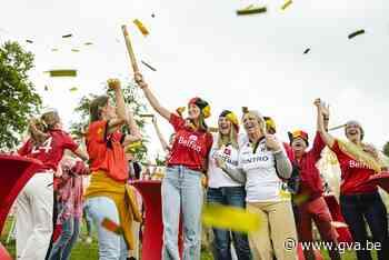 """Vriendinnen en familie van Red Lions volgen nagelbijtend zege tegen Spanje: """"Ze brengen zeker het goud mee naar huis"""" - Gazet van Antwerpen"""