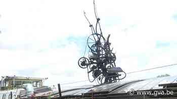 Schip met fantastische fontein van kunstenaar Tinguely aange... (Antwerpen) - Gazet van Antwerpen
