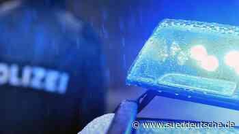 Sprühdosen in Lagerfeuer: Kinder lösen Polizeieinsatz aus - Süddeutsche Zeitung