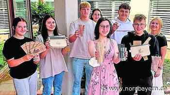 4Paper: Junge Unternehmer im Klassenzimmer - Nordbayern.de