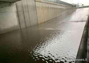 Maltempo e pioggia, allagato il sottopasso ferroviario di Venegono Superiore - varesenews.it