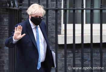 Regno Unito, i casi di Covid calano per il sesto giorno consecutivo, ma il governo è cauto: «Non siamo fuori pericolo» - Open - Open
