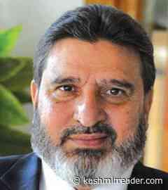 Altaf Bukhari censures J&K administration for denying passports, jobs to Kashmiri youth - Kashmir Reader