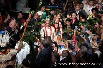 Jacinda Ardern apologises on behalf of New Zealand 50 years after racist 'Dawn Raids'