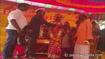 Muslim man marries off adopted Hindu daughter to Hindu boy as per Vedic traditions
