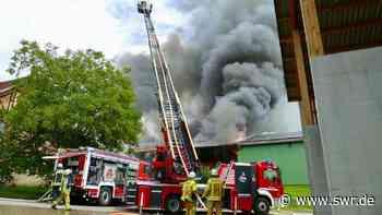 Lagerhallenbrand im Bodenseekreis - 3,5 Millionen Euro Schaden in Ortsteil von Meckenbeuren - SWR