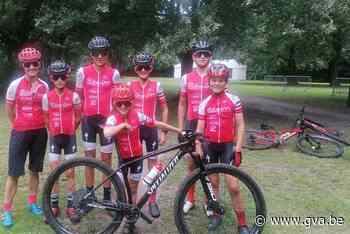 Mountainbikers palmen fort van Kessel in (Nijlen) - Gazet van Antwerpen Mobile - Gazet van Antwerpen