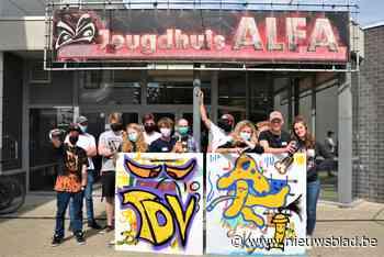 Jongeren leren graffiti spuiten in jeugdhuis Alfa