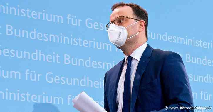 Germania, da settembre terza dose a fragili e anziani. Cambio di linea: vaccinazione estesa anche ai ragazzi dai 12 ai 17 anni