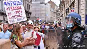 Covid: il popolo del No pass scende in piazza in tutta Europa - Euronews Italiano