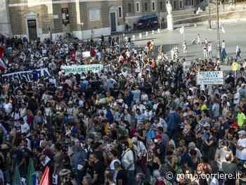 No green pass, tensioni a piazza del Popolo: i manifestanti allontanano l'estrema destra - Corriere Roma
