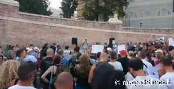 Roma, manifestazione a Piazza del Popolo contro il Green Pass – Diretta - epochtimes.it