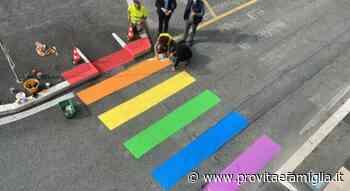 FLASH – A Fiumicino i vigili hanno intimato di togliere le strisce pedonali arcobaleno - provitaefamiglia.it