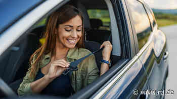 Viele Autofahrer wissen es gar nicht: Dafür ist die Schlaufe am Sicherheitsgurt da - RTL Online