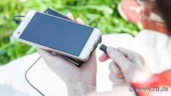 Explosionsgefahr: TÜV warnt vor Powerbanks - was Nutzer jetzt wissen müssen - RTL Online