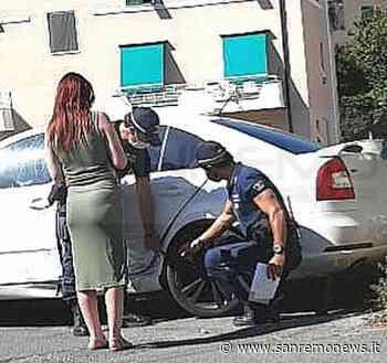 Sanremo: trova l'auto incidentata in via Serenella e la Municipale la aiuta a trovare il colpevole (Foto) - SanremoNews.it